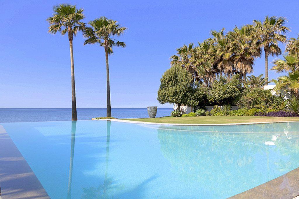 Villa Los Monteros Beach